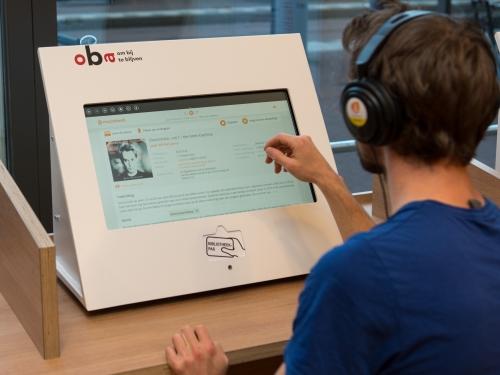 Muziekwebterminals bij OBA Javaplein